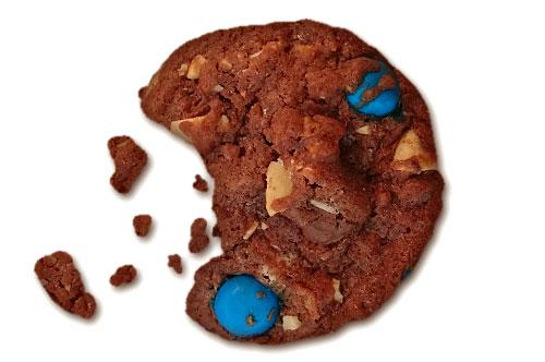 schoko-cookies-mit-bunten-schokolinsen