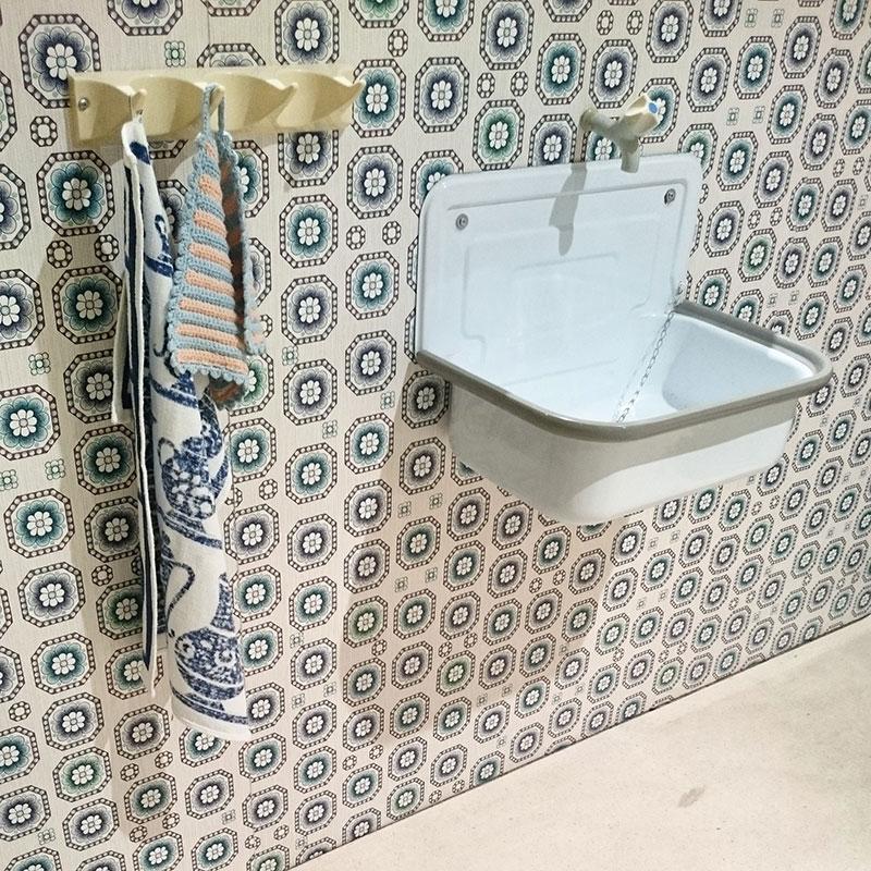 ausstellung-40-jahre-ddr-waschbecken
